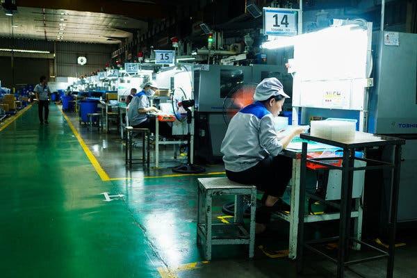 New York Times: Cảm ơn Trade War! Chiếc iPhone tiếp theo của bạn rất có thể sẽ là made in Vietnam - Ảnh 2.